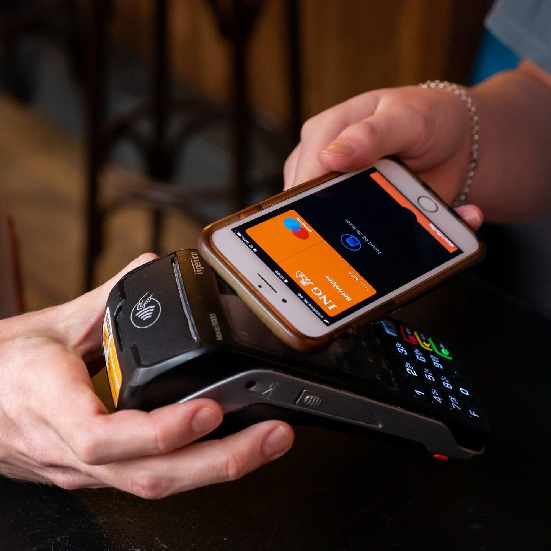 Contactloos betalen steeds populairder in 2021